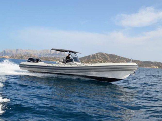 Cruise Cannigione, IT waters on a beautiful  Novamarine RH 1000