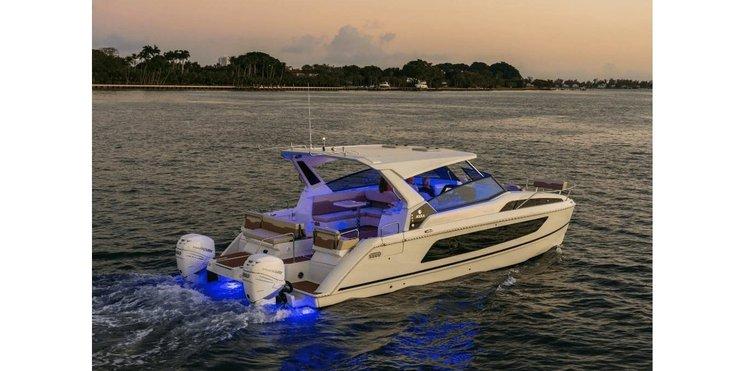 Catamaran boat for rent in Sag Harbor