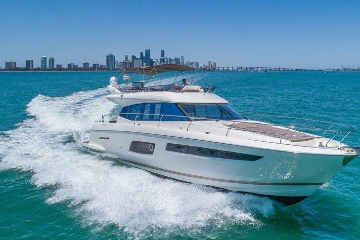 Prestige 60 'FLYBRIDGE New Luxury Yacht