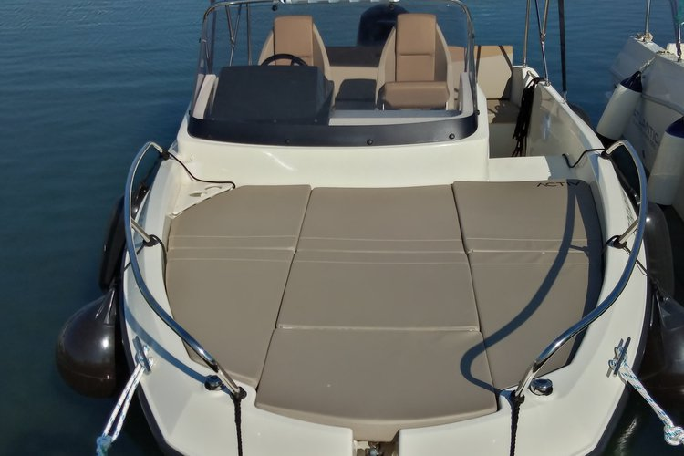 Motor boat boat for rent in Istra