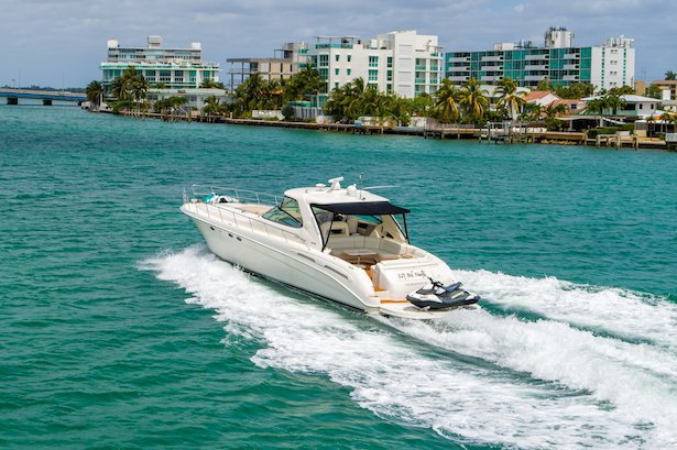 Boating is fun with a Cruiser in North Bay Village