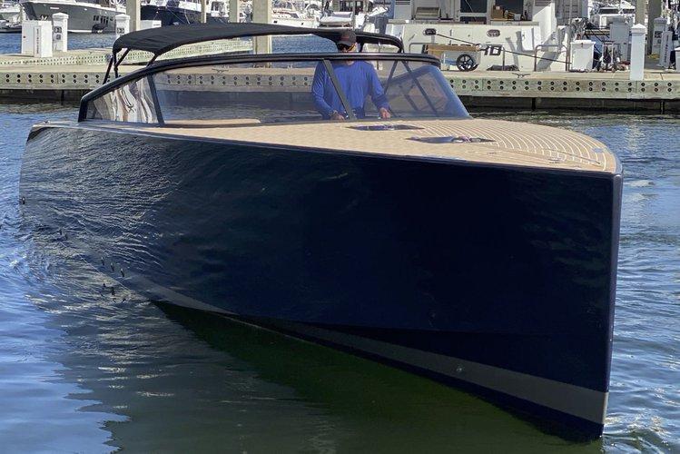 Miami Yacht Charter- 40' Yacht in Miami