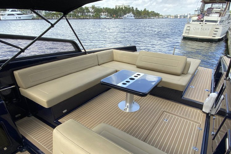 Discover Miami surroundings on this 40 VanDutch boat