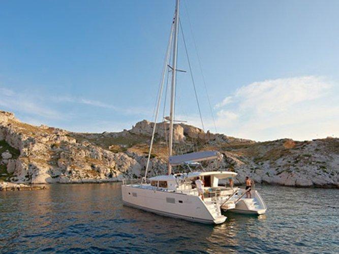 Enjoy Paros, GR to the fullest on our comfortable Lagoon Lagoon 400 S2