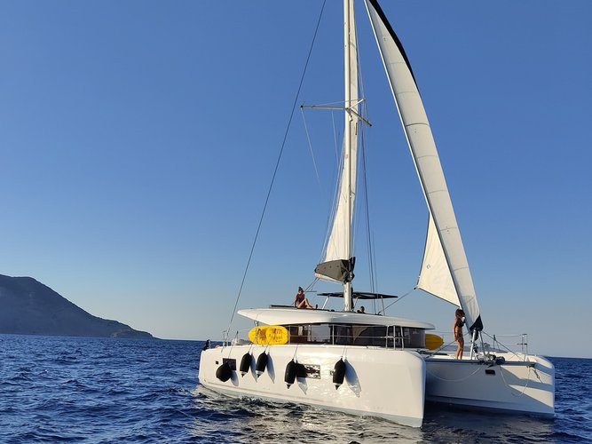 Discover Samos in style boating on this sailboat rental