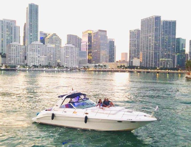 This 45.0' Sea Ray cand take up to 10 passengers around Miami