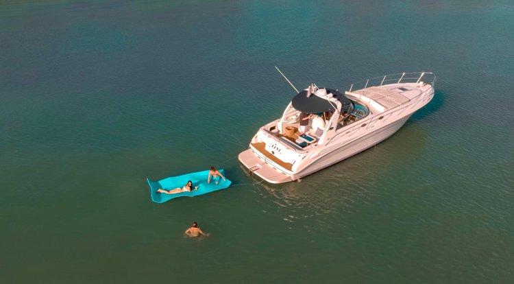 Beautiful 45' Sea Ray Sundancer Enjoy Affordable Luxury