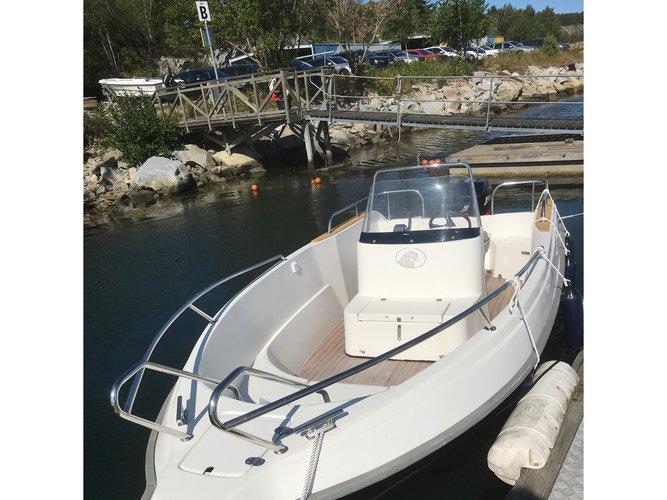 Charter this amazing motor boat in Marstrand