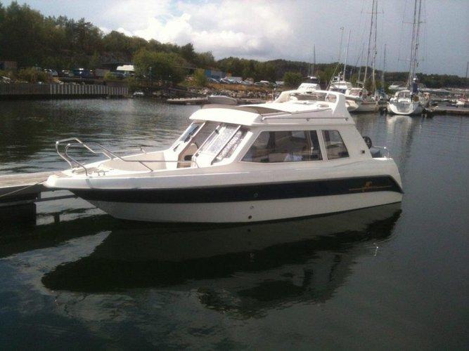 Experience Marstrand on board this elegant motor boat