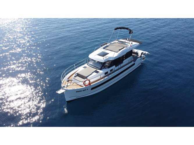 The perfect boat to enjoy everything Split, HR has to offer