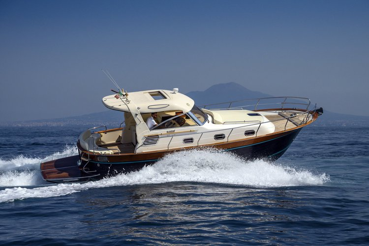 Live you amazing boat day in Sorrento!