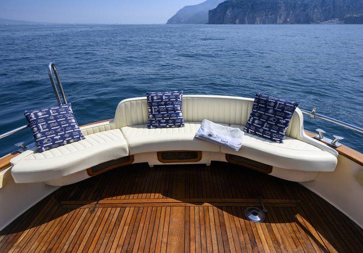 Motor boat boat rental in SORRENTO, Italy