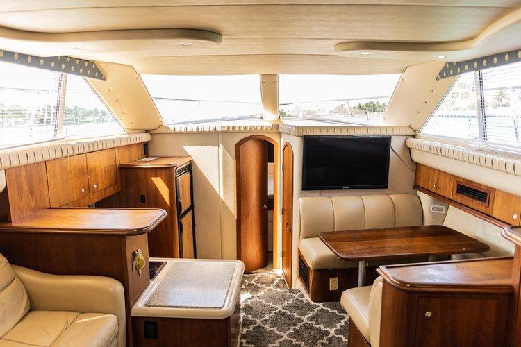 This 46.0' Cruiser cand take up to 12 passengers around Miami Beach