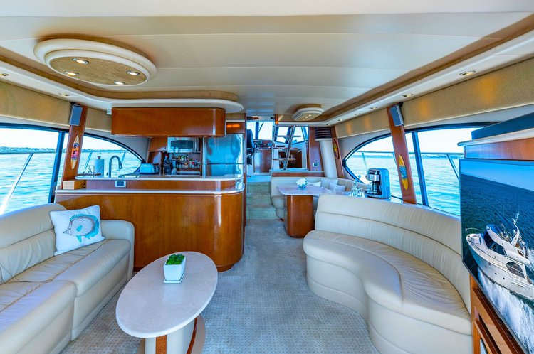 This 60.0' Meridian cand take up to 12 passengers around North Bay Village