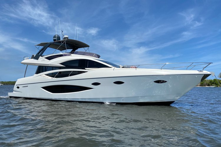 Exhale - 75 ft Luxury Modern Yacht Charter in Palm Beach