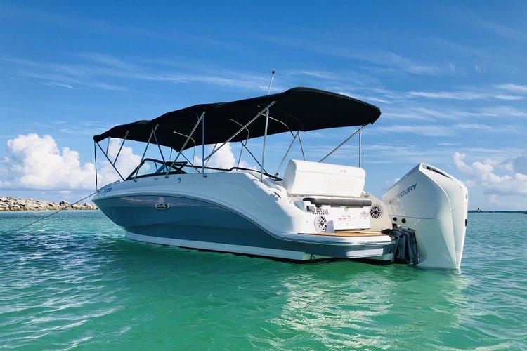 Boat rental in Puerto,