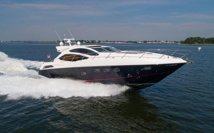 Discover Sag Harbor surroundings on this Predator Sunseeker boat