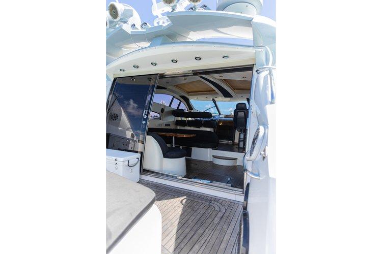 Discover Miami Beach surroundings on this Predator Sunseeker boat