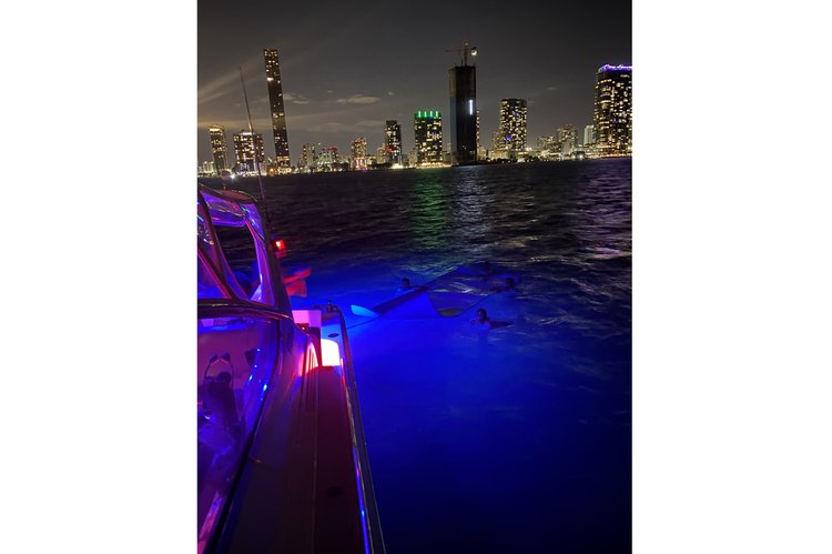 Discover Miami surroundings on this 42 Uniesse boat