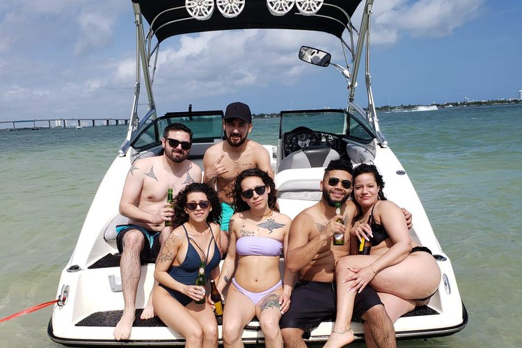 YAMAHA's 21.0 feet in Miami