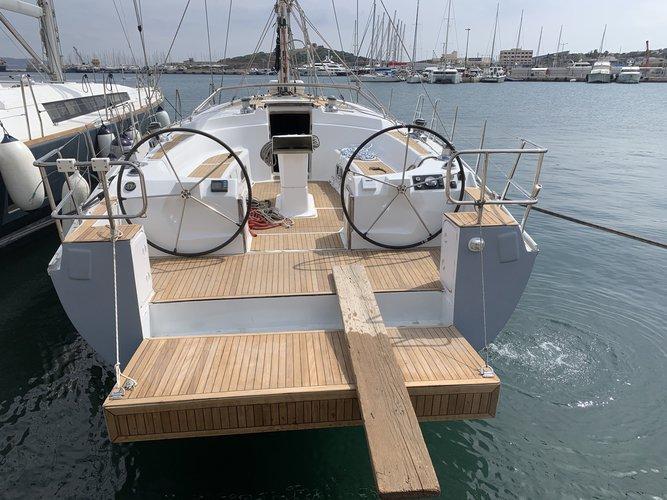 Bavaria's 50.0 feet in Saronic Gulf