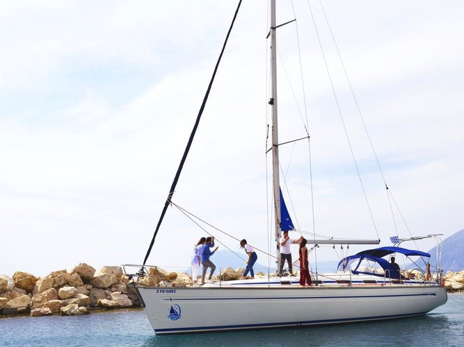 Relax on board our sailboat charter in Nydri - Lefkada