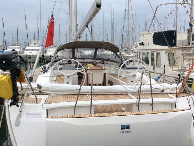 This sailboat charter is perfect to enjoy Cannigione