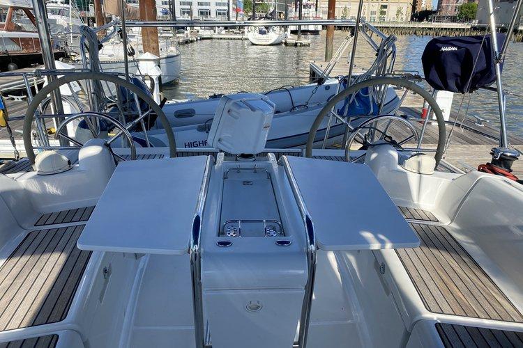 40.0 feet Jeanneau 409 in great shape