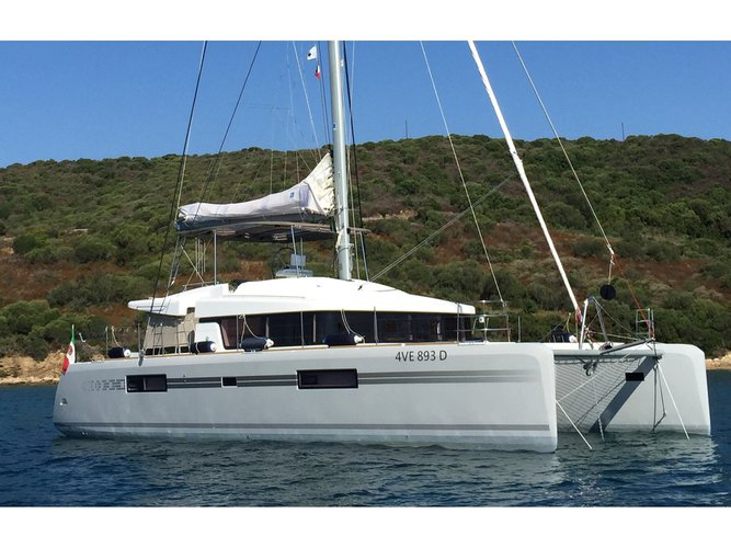 Sail Zakynthos, GR waters on a beautiful Lagoon Lagoon 52F