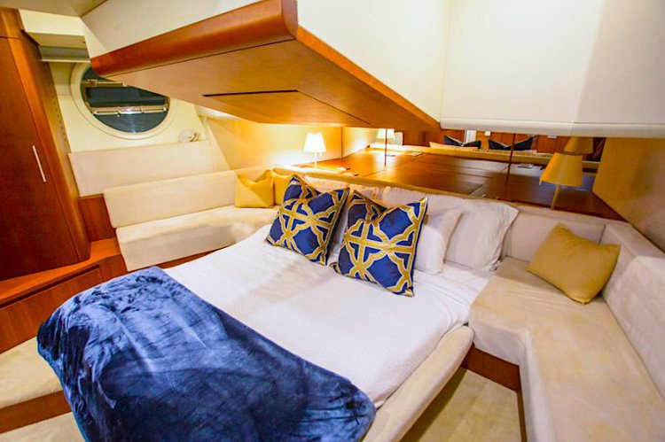 Boat for rent Aicon 85.0 feet in Island Gardens Deep Harbour, FL