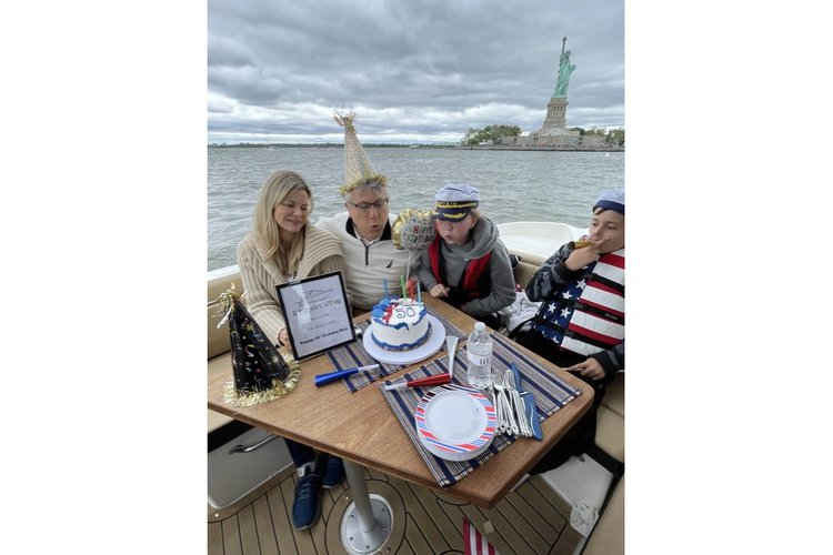 Boat for rent Sea Ray 39.0 feet in Marine Max at Pier 59 - Chelsea Piers, NY
