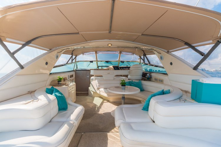 63′ Searay – Miami Yacht Rental