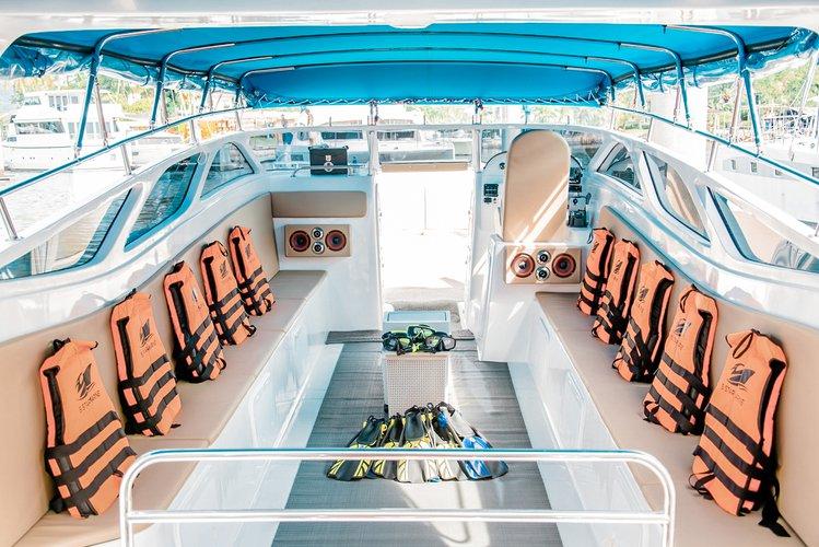 Discover Phuket surroundings on this Speedboat Custom Build Speedboat Custom Build boat