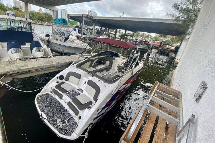 Boating is fun with a Bow rider in Miami