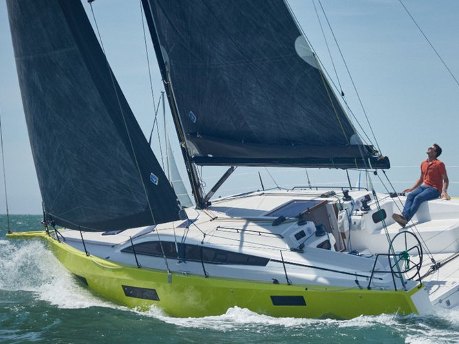 Relax on board our sailboat charter in Bormes-les-Mimosas