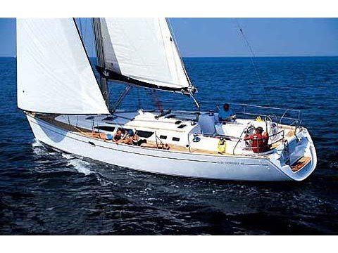 Sail the beautiful waters of Marmaris on this cozy Jeanneau Sun Odyssey 43.3