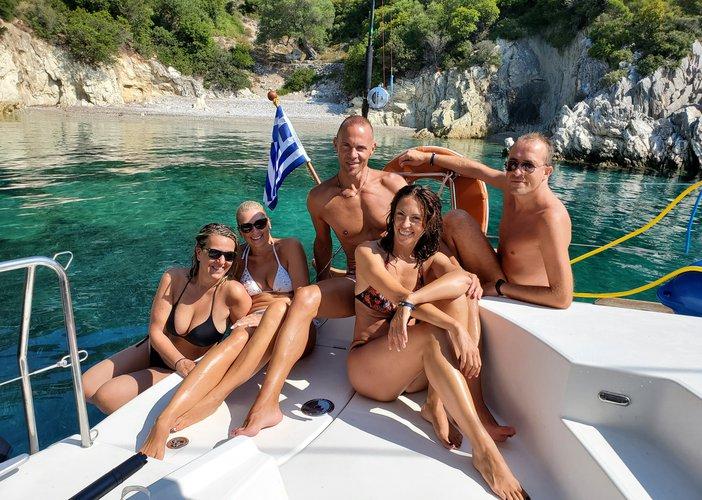 This 44.0' LAGOON cand take up to 8 passengers around Lefkada