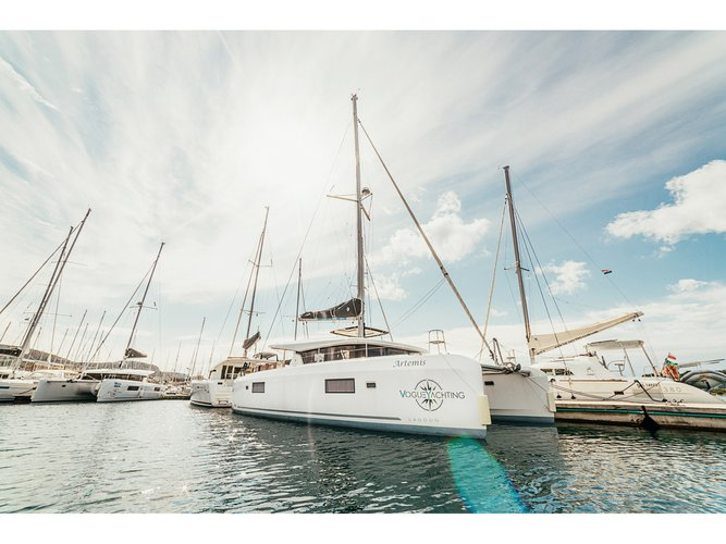 Experience Šibenik on board this elegant sailboat