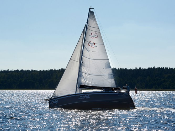 Enjoy luxury and comfort on this Northman Shipyard Maxus 33.1 RS Standard in Wilkasy