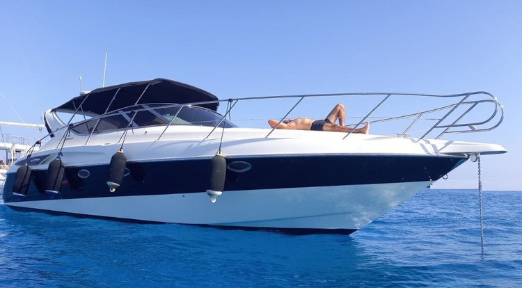 Boating is fun with a Cruiser in Gondomar / Porto