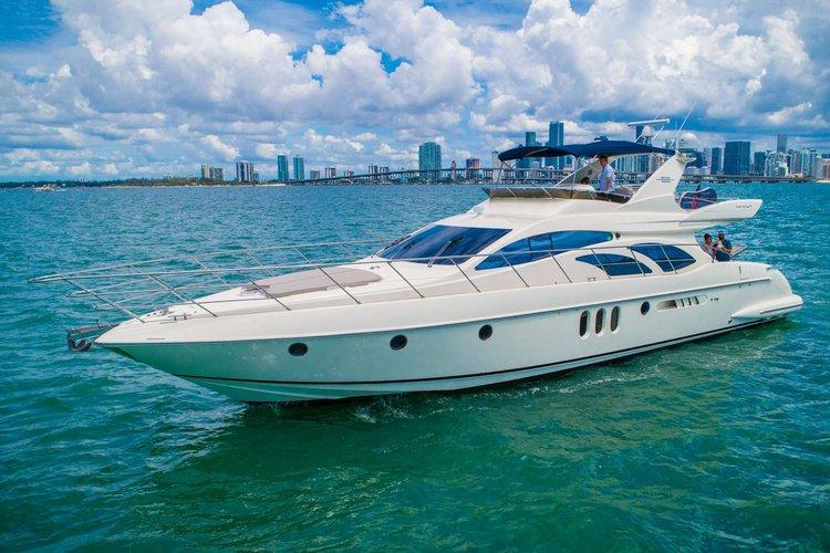 62' Azimut – Miami Yacht Rental