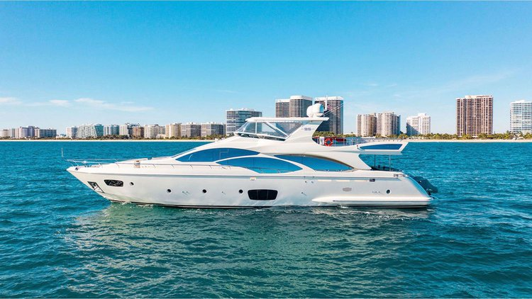 95′ Azimut – Miami Yacht Rental