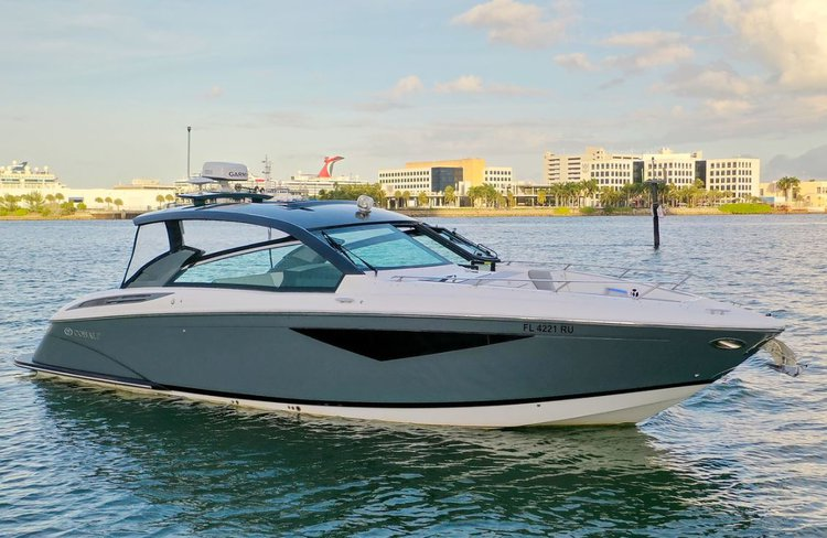 2019 Cobalt A36 Luxury Cruiser for Charter in Miami