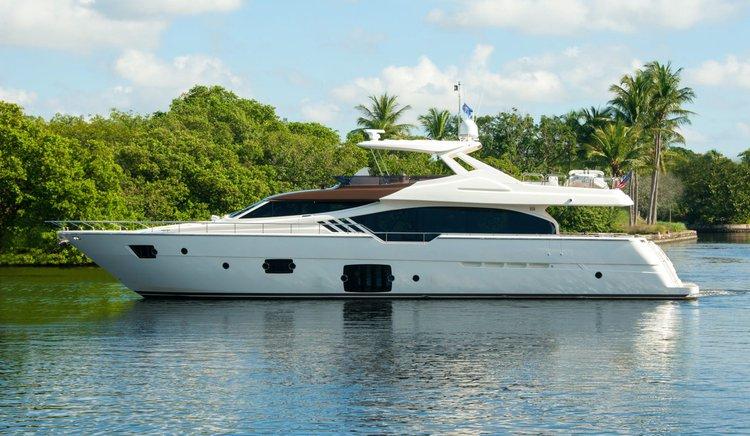 87′ Ferretti – Miami Yacht Rental