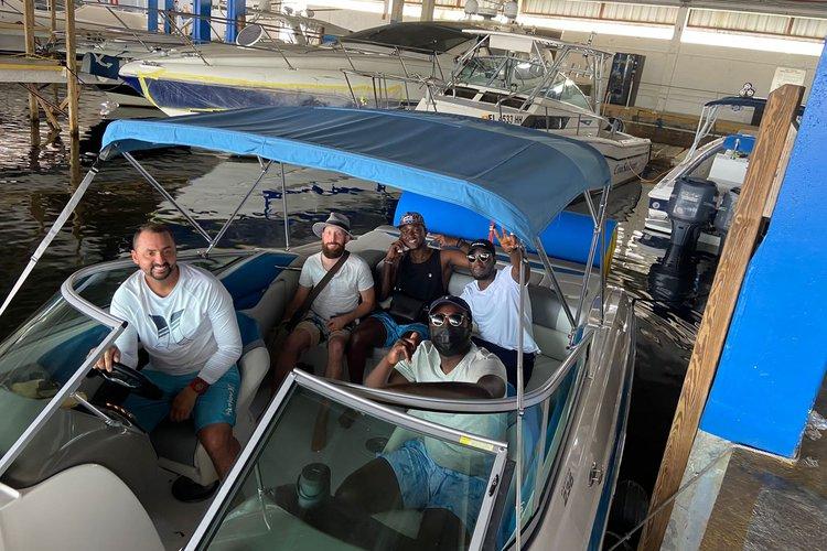 Bow rider boat rental in Miami Beach, FL