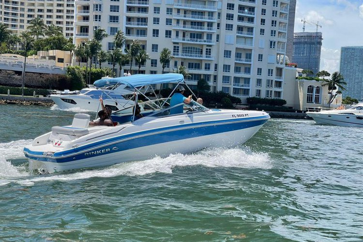 Up to 8 persons can enjoy a ride on this Jet boat boat