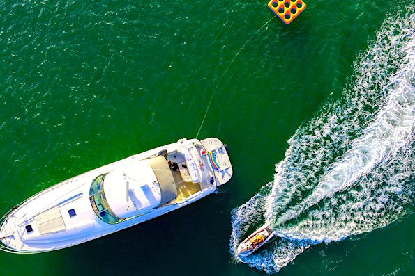 Rent a Luxury Yachting Experience! 58' SeaRay (5)
