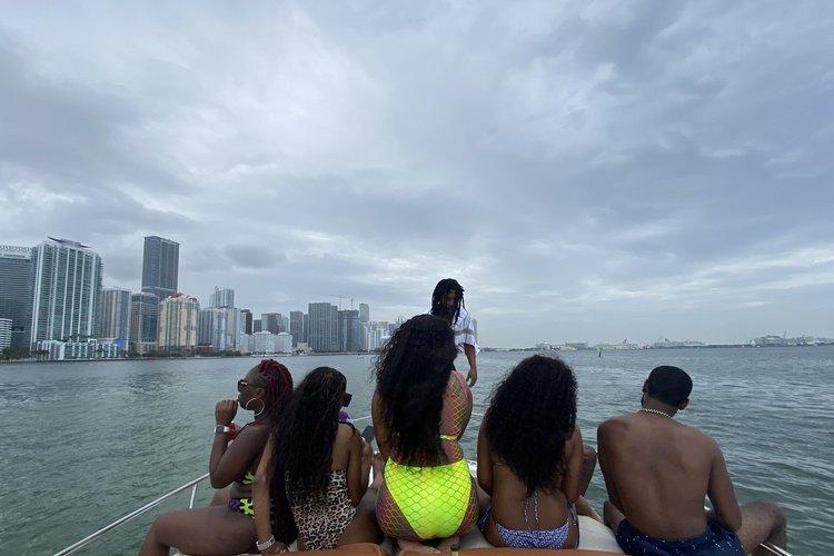 Boat for rent Searay 33.0 feet in La Coloma Marina, FL