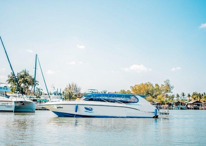 Lucus 6 – VIP Private Speedboat