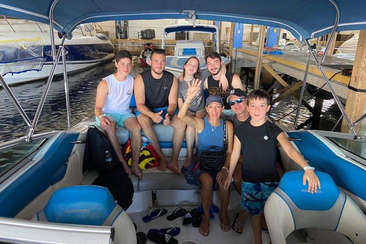 RINKER's 24.0 feet in Miami Beach